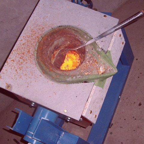 aluminum melting furnace with induction
